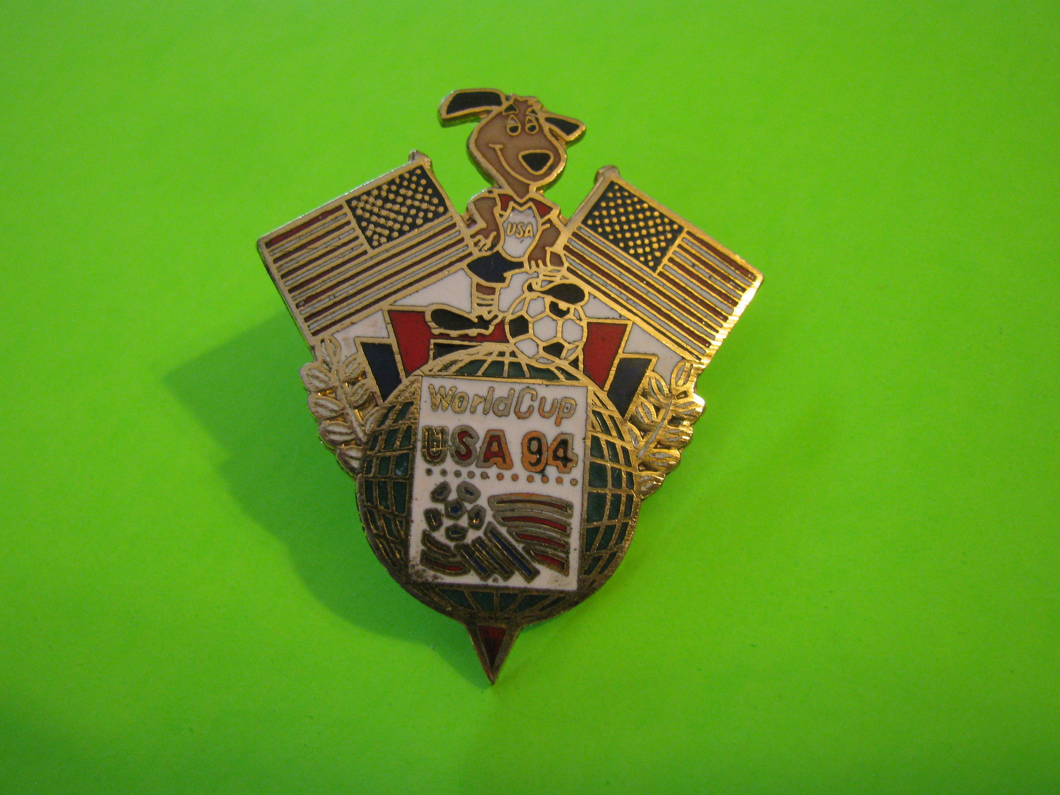 1994 World Cup USA Large Team USA Soccer Pin with Butterfly Clutch