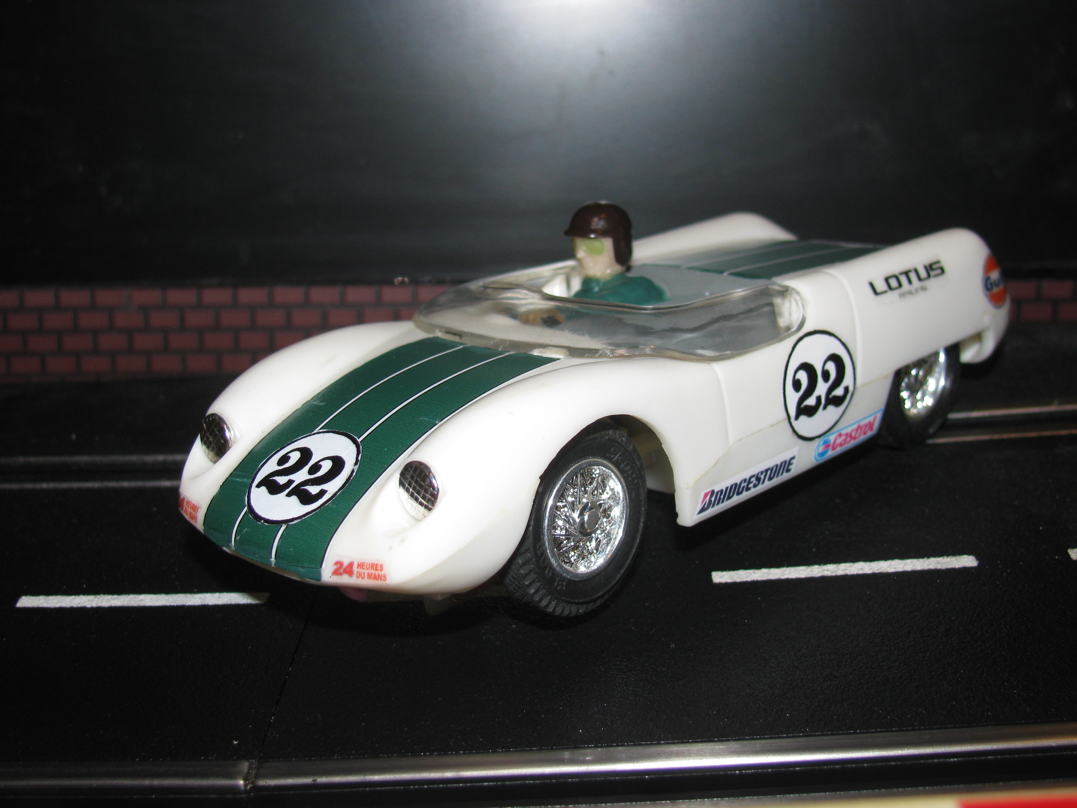 * SOLD * Vintage 1960 Lotus 19 2.5L Climax Slot Car 1/32 Scale – White – Car#22
