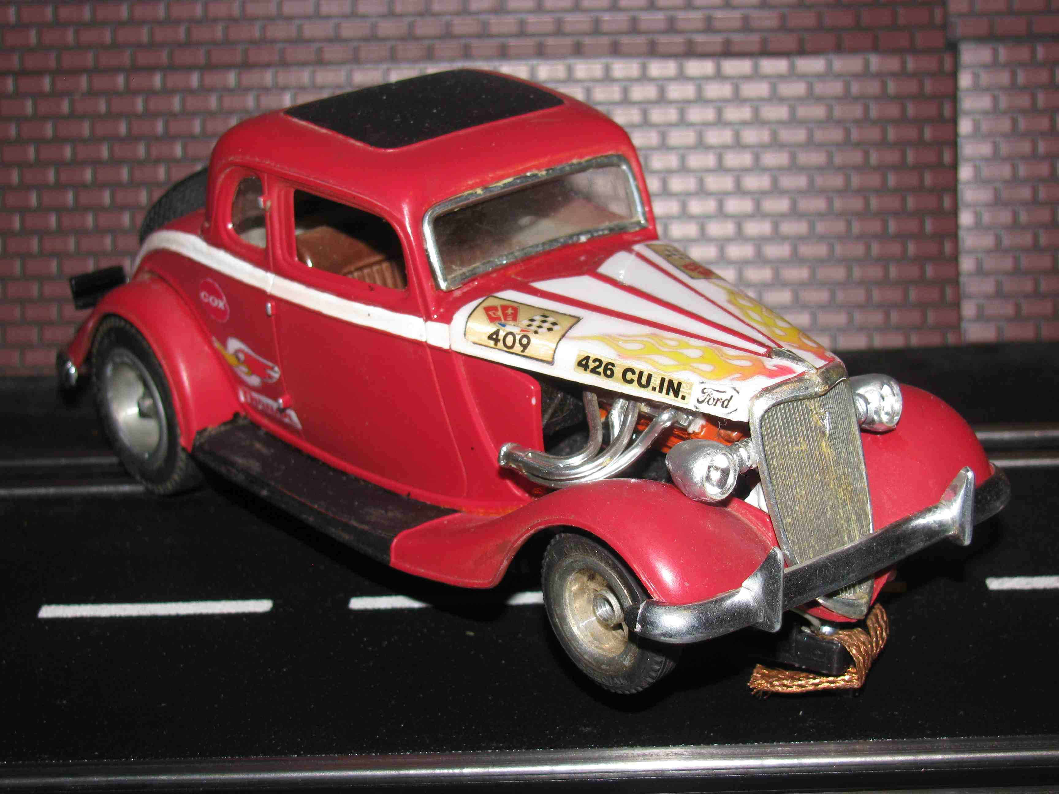 * SOLD * 1932 Ford V8 Coupe Hot Rod Slot Car 1/24 Scale - Red