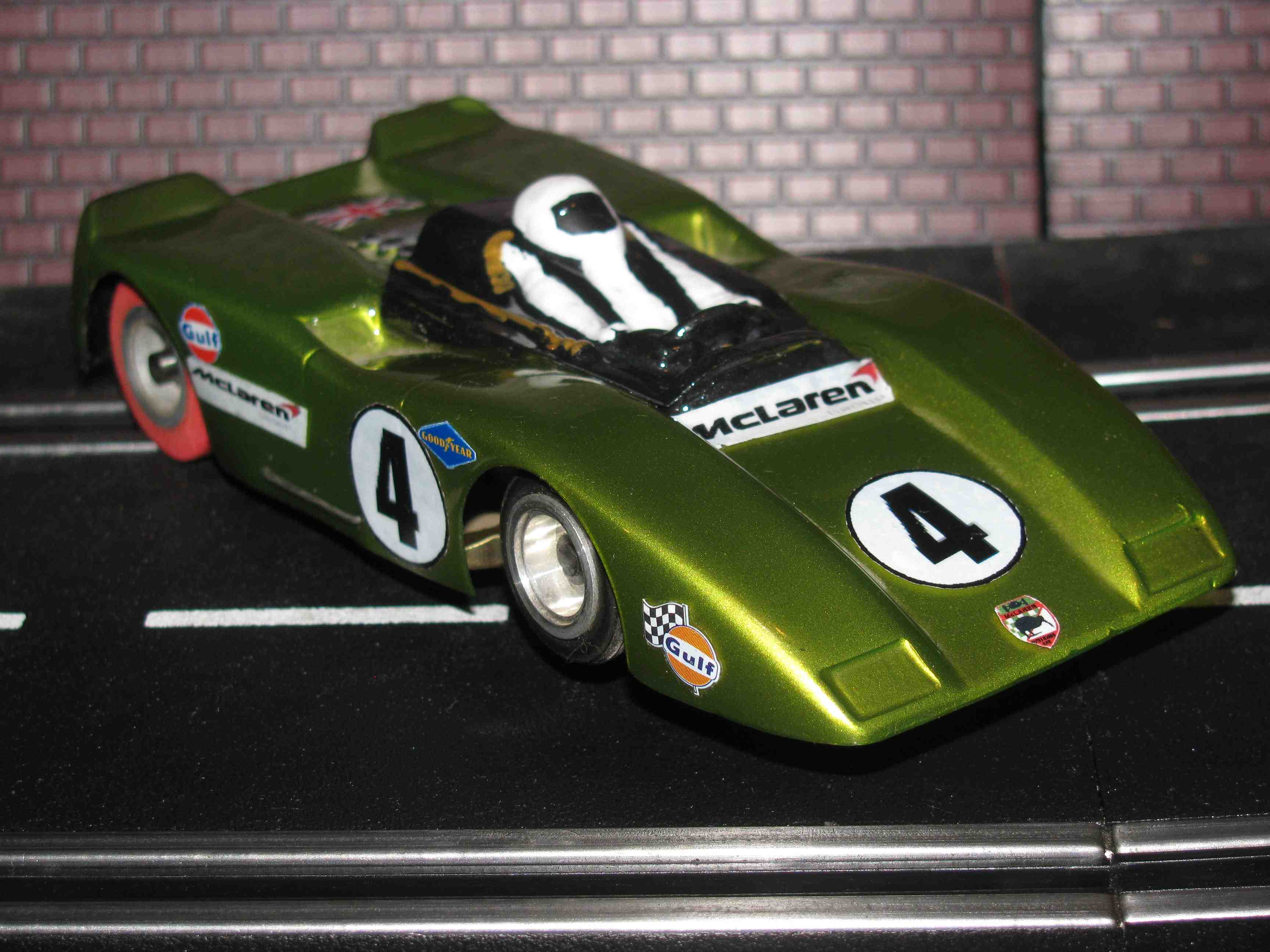 *** SOLD *** 1969 McLaren M8B Can-Am Slot Car 1/32 Scale – Bruce McLaren