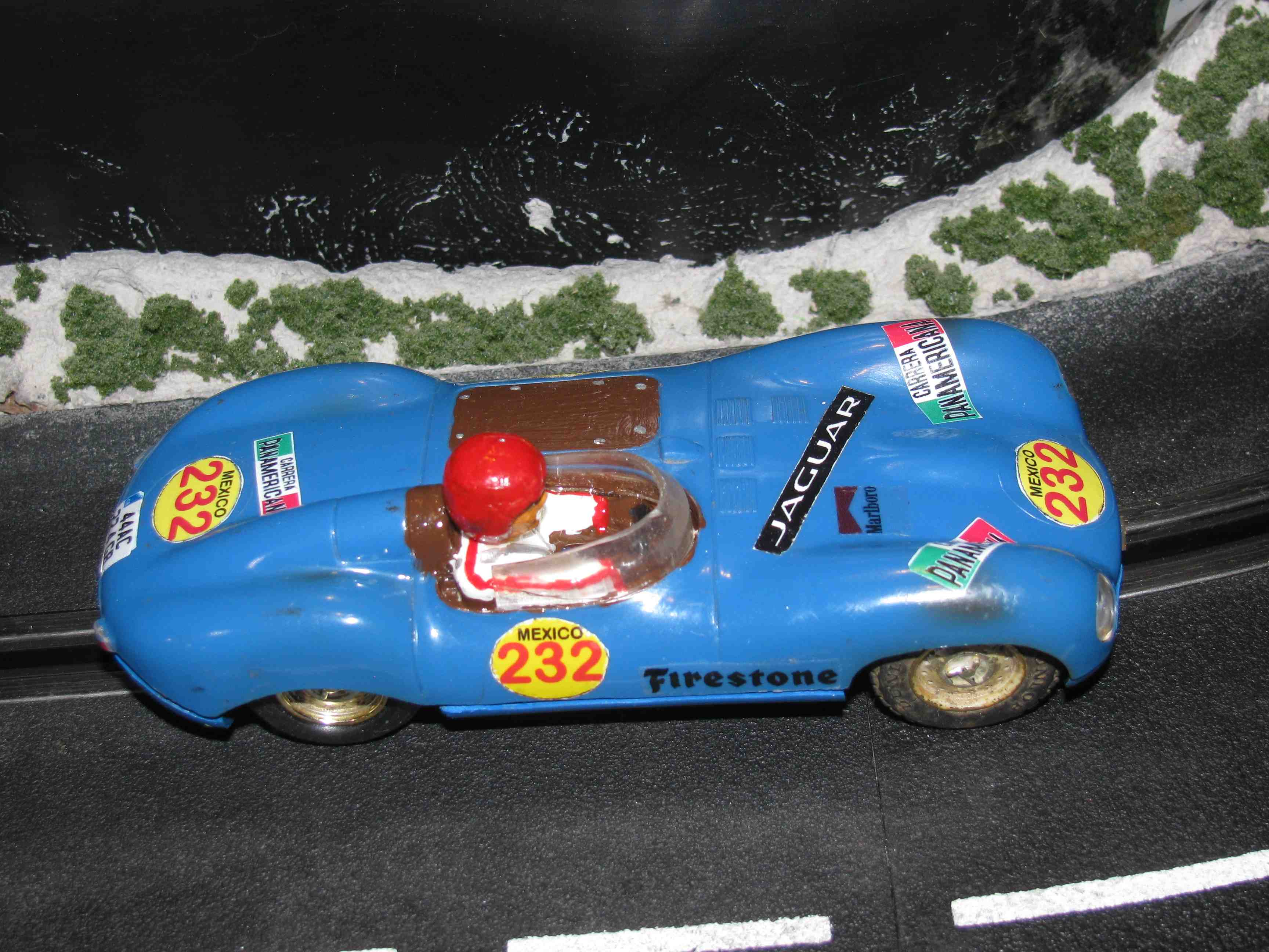 * SOLD * Vintage SCALEXTRIC Triang Jaguar D-Type Slot Car 1/32 Scale Blue Car #232