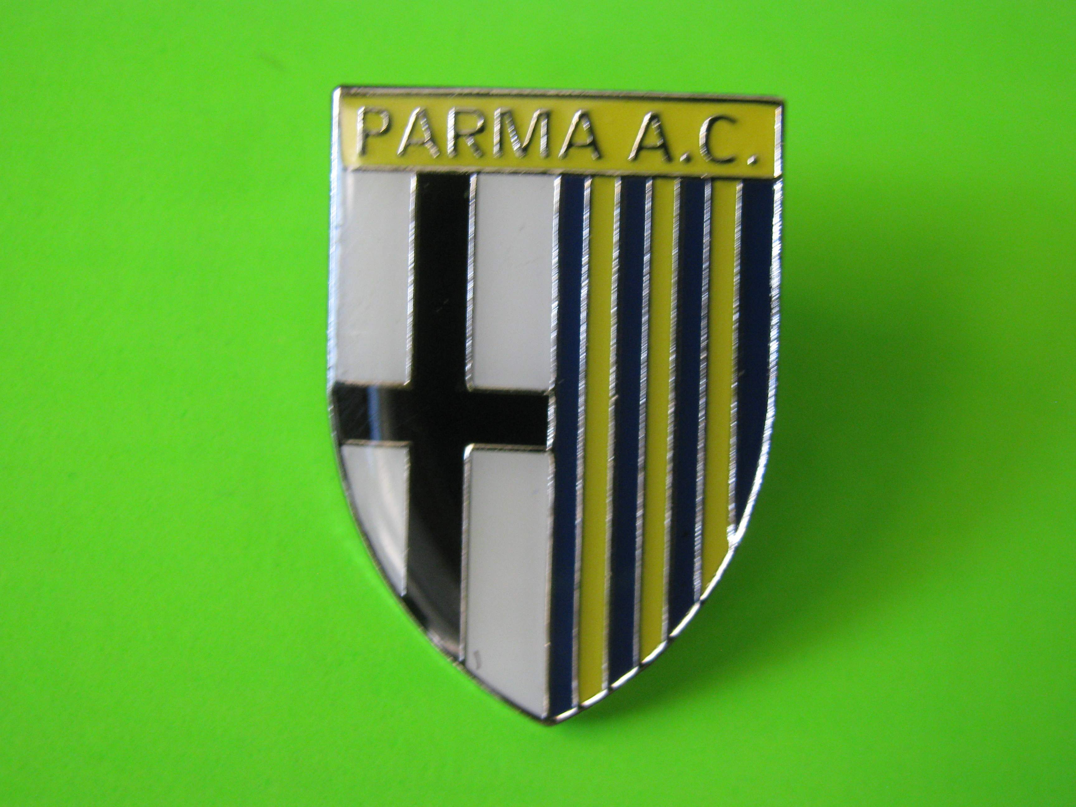 Italian PARMA Soccer A.C. Logo Pin with Butterfly Clutch