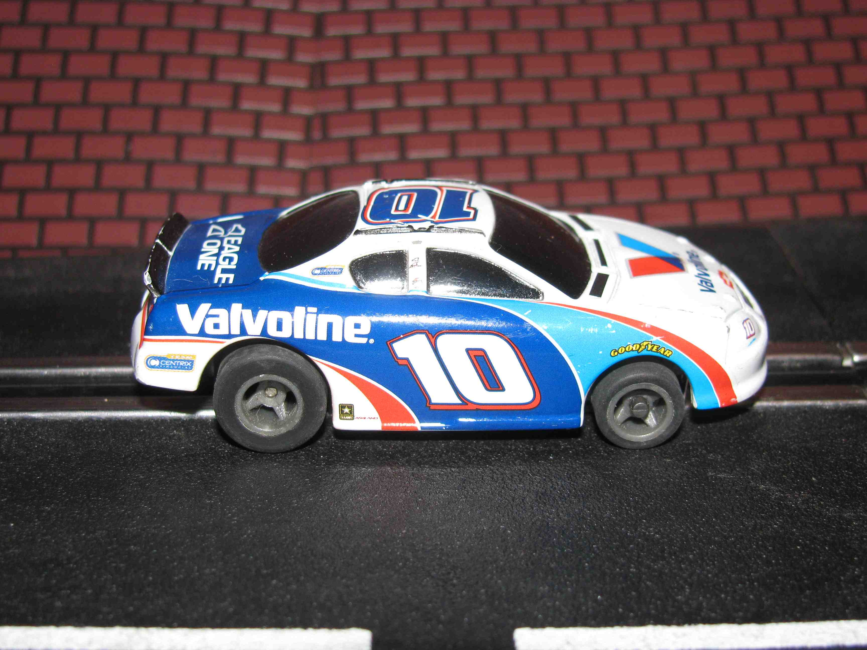 * SOLD * Tyco Like-Like HO Slot Car #10 Monte Carlo (Valvoline) with Guide Post