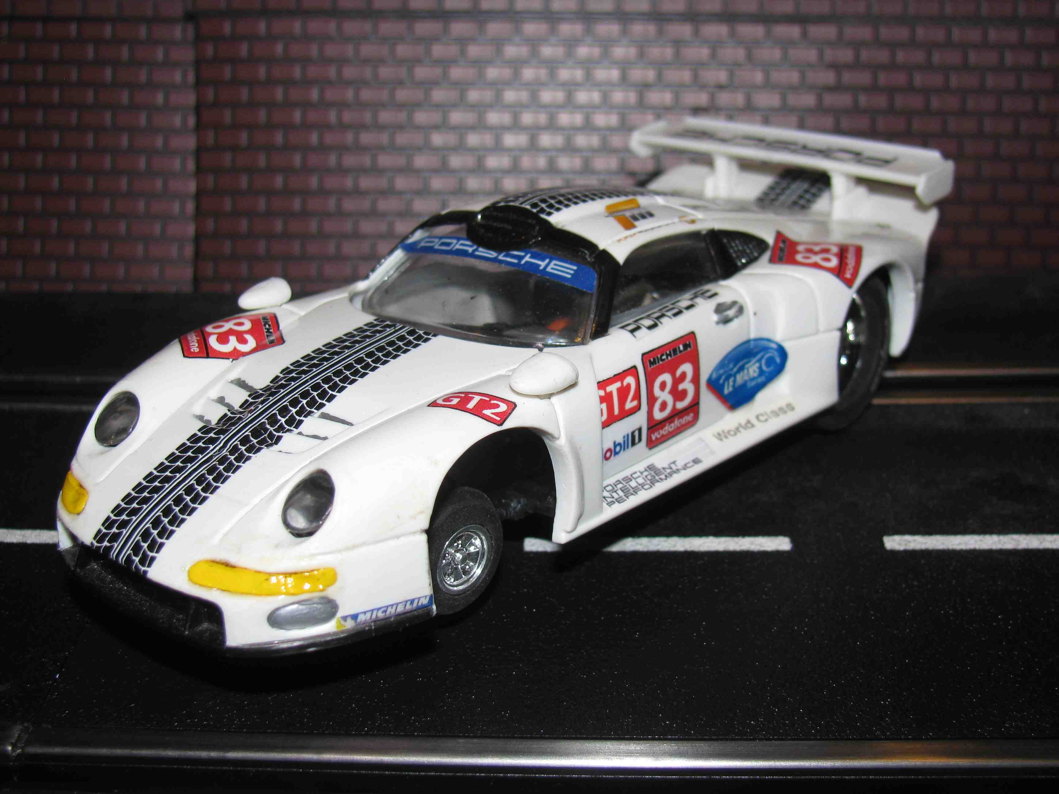 Hornby Porsche 911 GT2 Racer Slot Car 1/32 Scale - White - Car 83