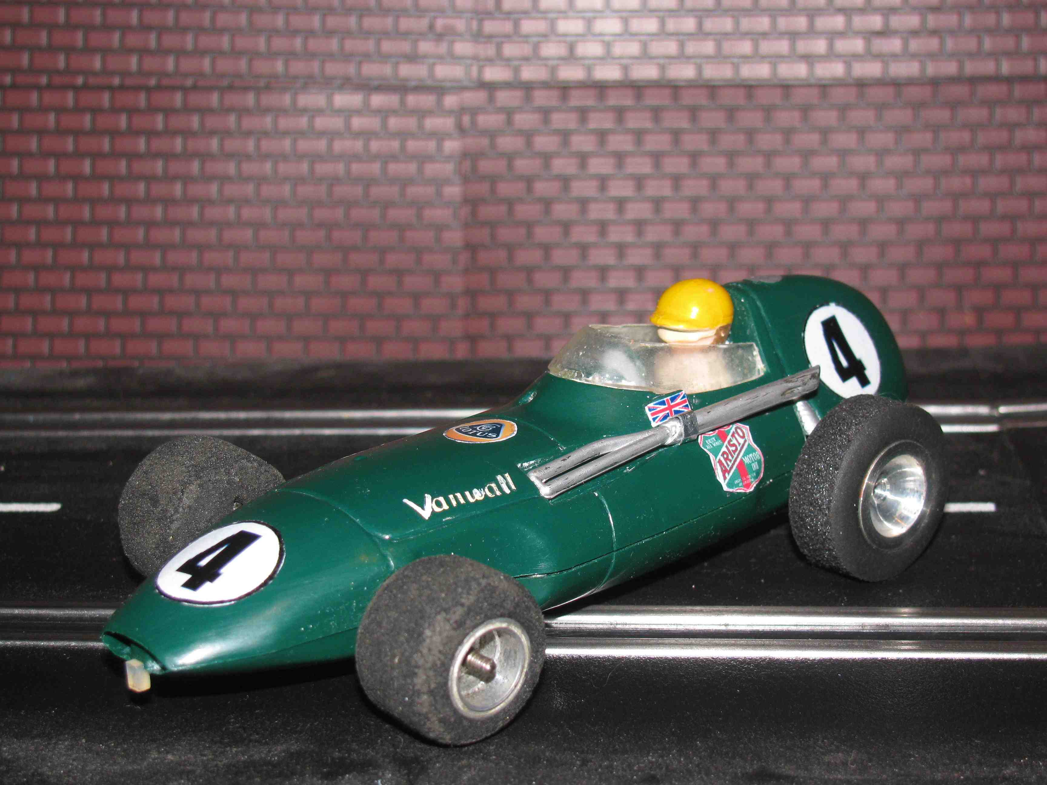 * SOLD * Scalextric Triang Lotus Vanwall - Green - MM/C.55 - 1/24 Scale Slot Car – 1/24 Scale