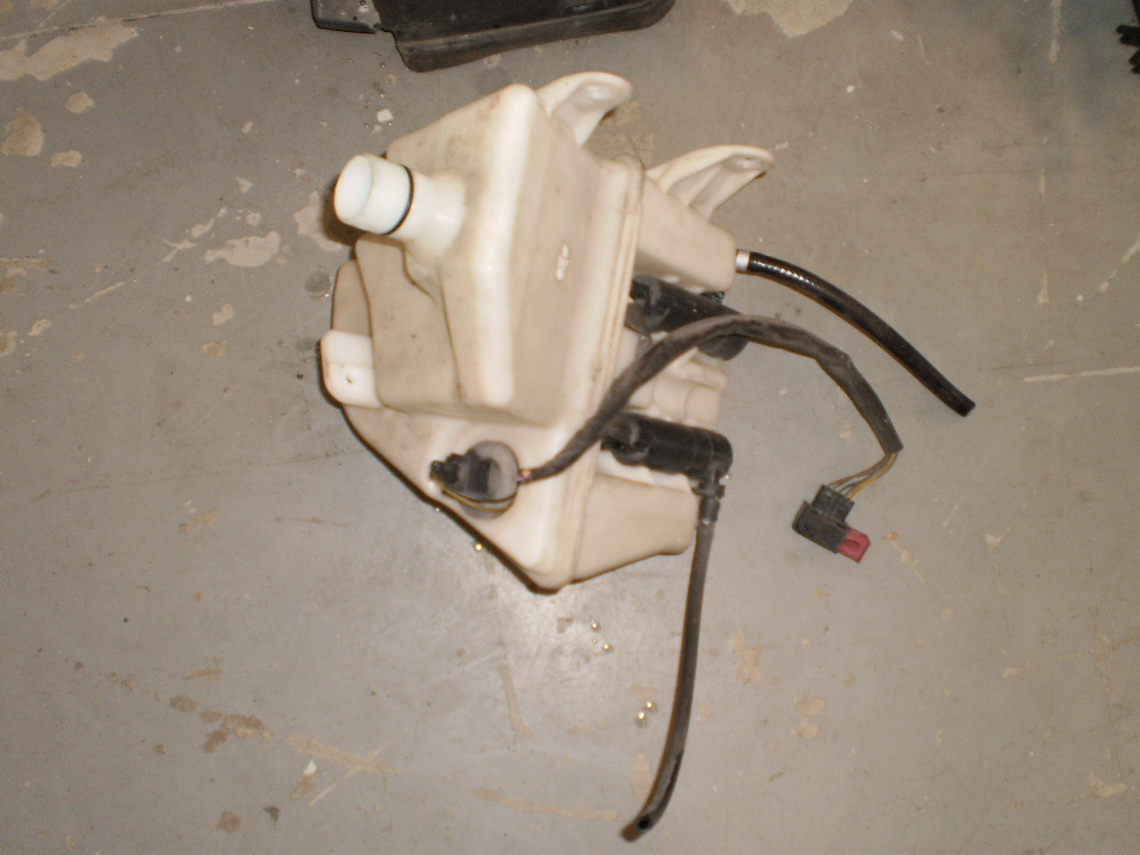 2007 SAAB 9-3 Washer Fluid Bottle