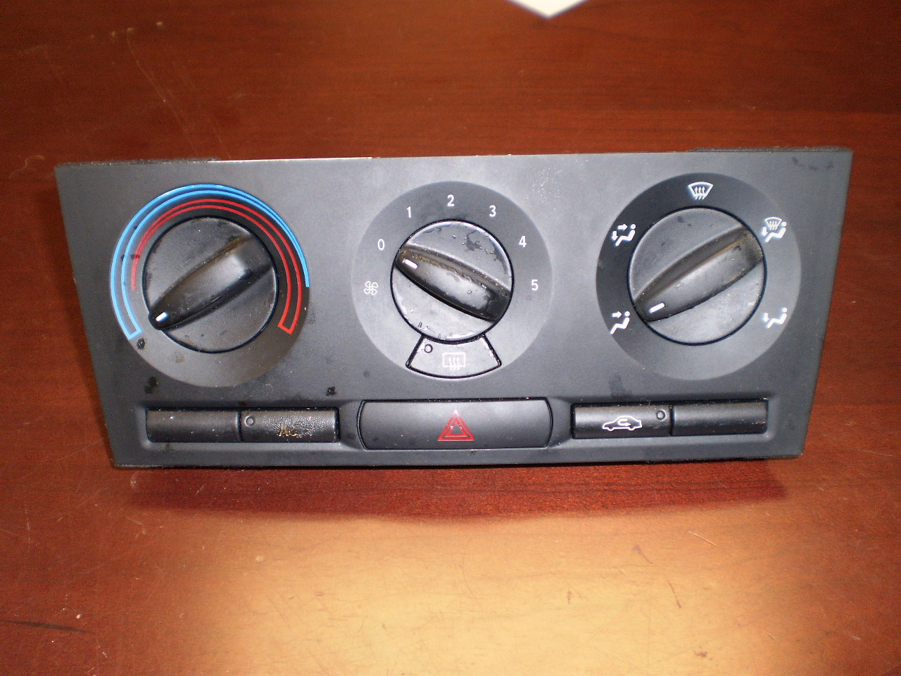 SAAB 9-3 Manual Temperature Control (03-07)