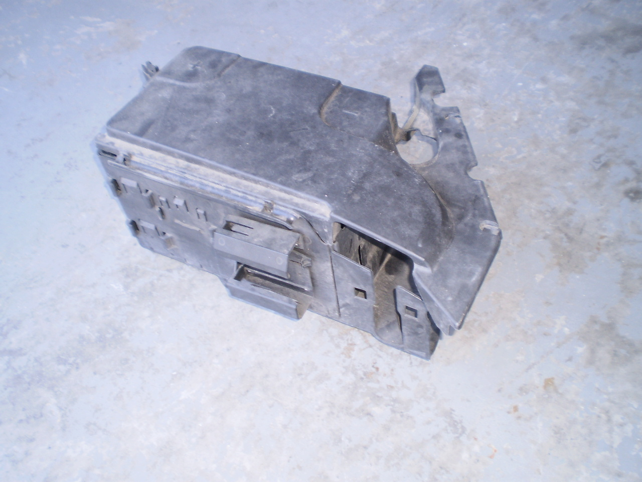 03-07 Saab 93 Complete Battery Tray Holder