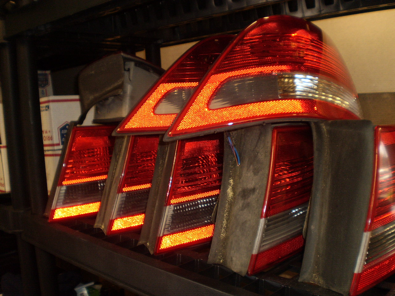 03-07 SAAB 9-3 4D PASSENGER (R/S) TAIL LIGHT