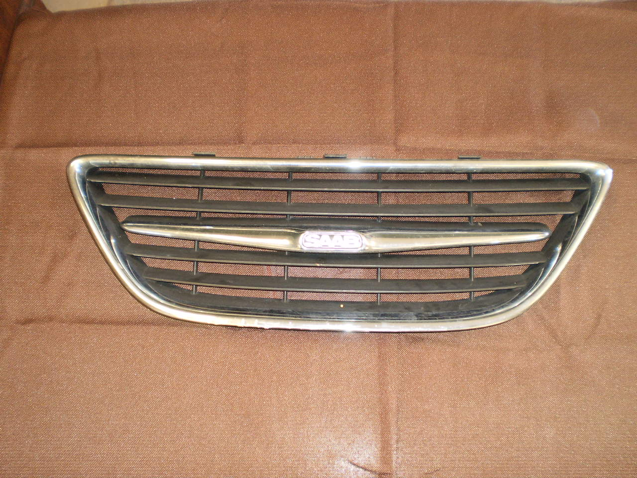 2003-07 SAAB 9-3 Upper Grill  (Center)