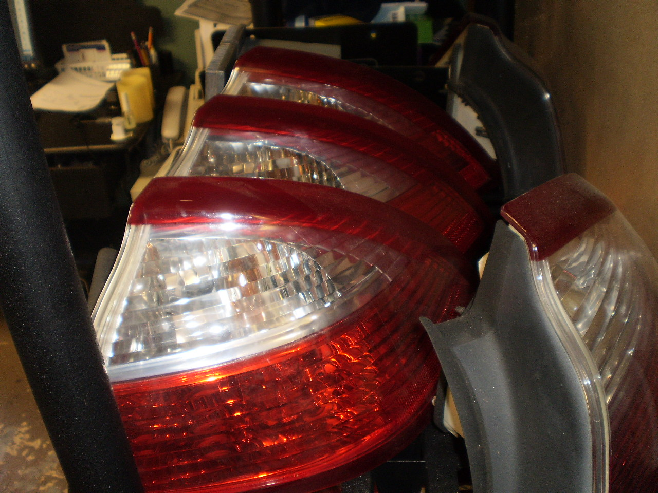 2004-07 SAAB 9-3 CONVERTIBLE PASSENGER (R/S) TAIL LIGHT
