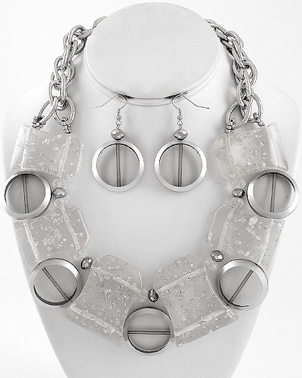 CLEAR GLASS CRYSTALS NECKLACE SET