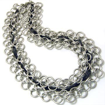 KNITTED CHAIN NECKLACE