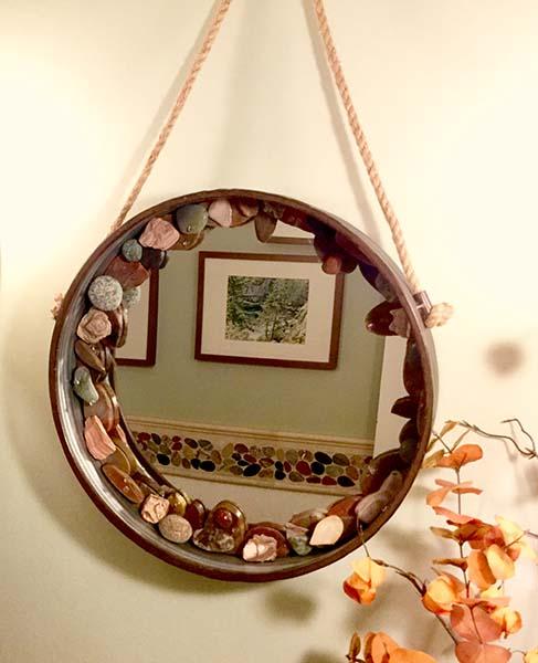 """16"""" round farm mirror stone mosaic"""